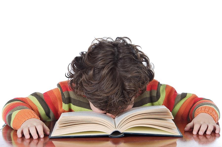 Gyermeke nehezen idézi vissza, amit olvas? Lehetséges okok és megoldások