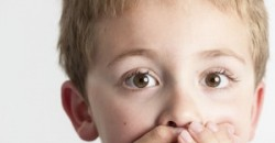 A kisfiam rendszeres asztmás rohamoktól szenved. Sok dolgot kipróbáltunk már a gyógyulás érdekében, és van is javulás. Minden újdonságra nyitottak vagyunk, ami segíthet. Azt hallottam, hogy a gyógytestnevelés is hozzájárulhat a gyógyuláshoz. Ez tényleg igaz?
